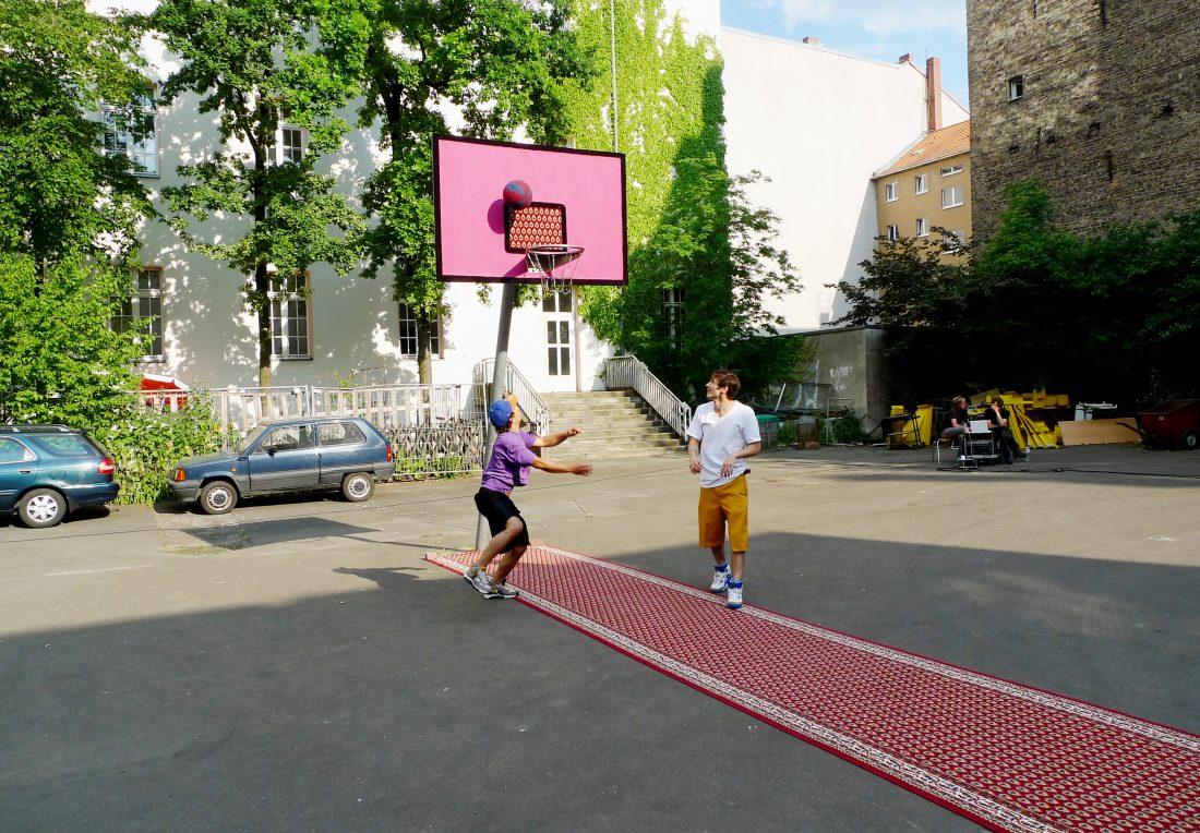 Teppichballspiel [Carpetball Game]