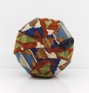 Teppichball [Carpetball]